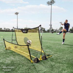 מתקן לאימון ושליטה בכדור